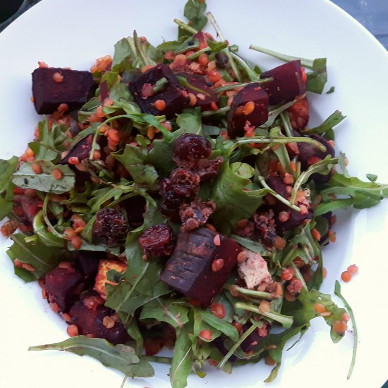 Lauwarmer bunter Salat