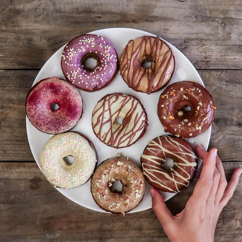 Schoko-Donuts (unfrittiert)