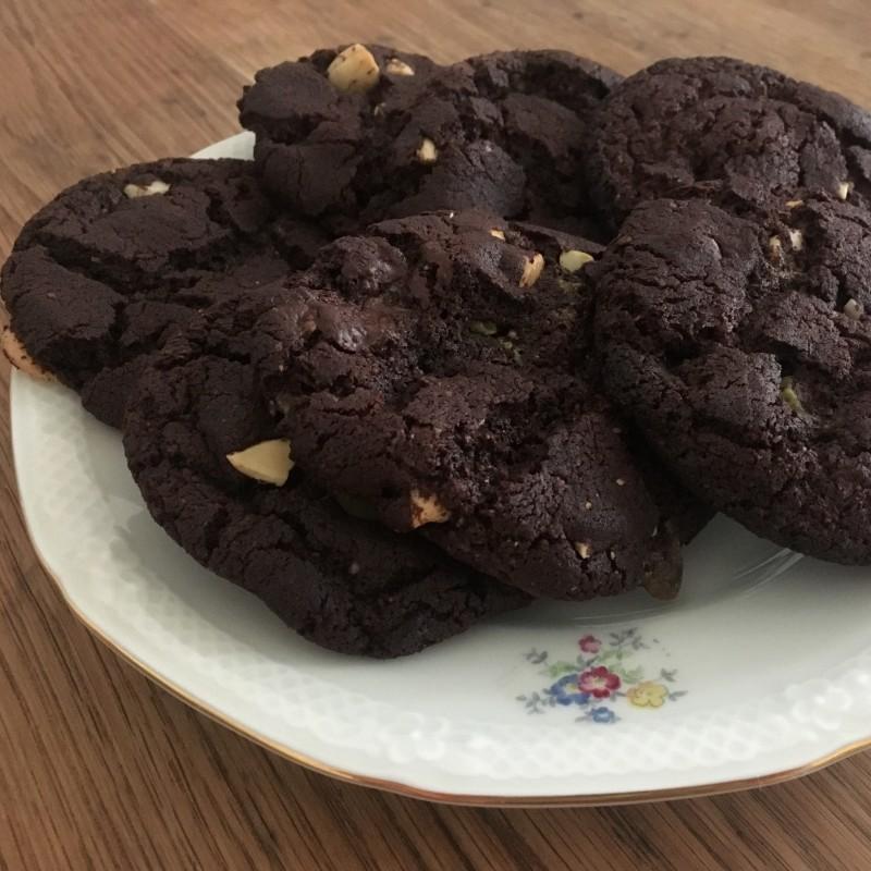 Cashew-Chochlate-Cookies