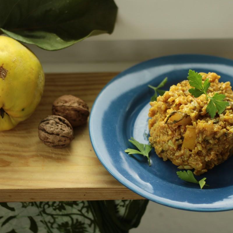 Quitte-Reis-Pfanne mit Walnüssen