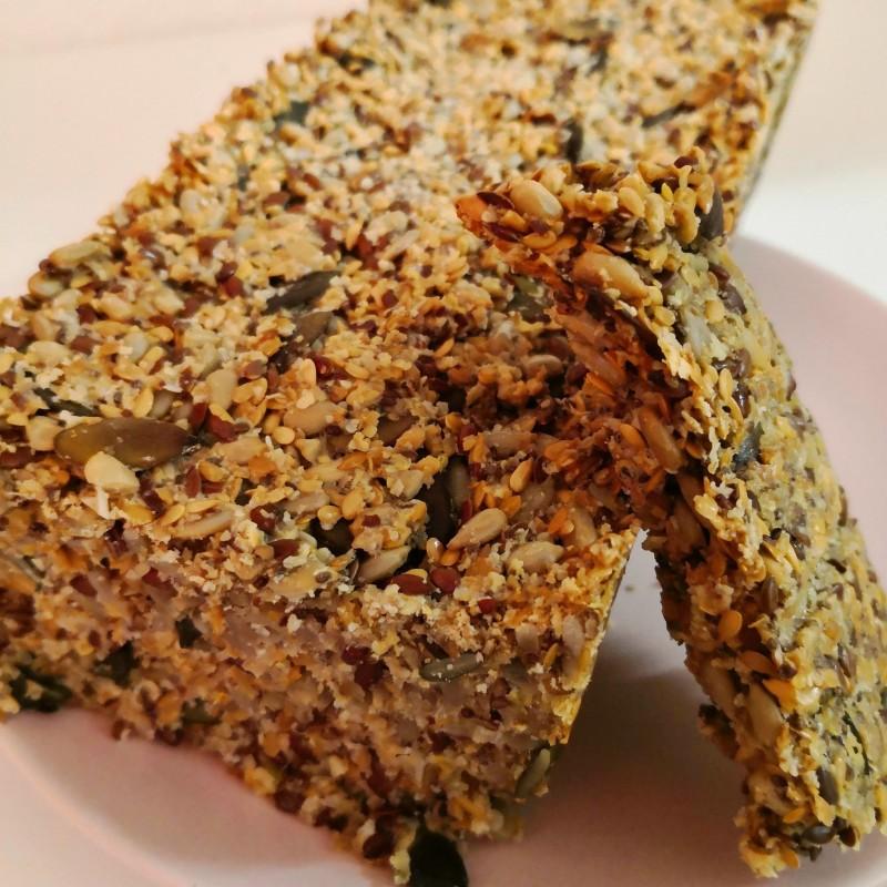 Ballaststoffreiches Brot ohne Mehl