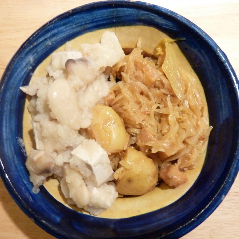 Dicke Bohnen mit Sauerkraut