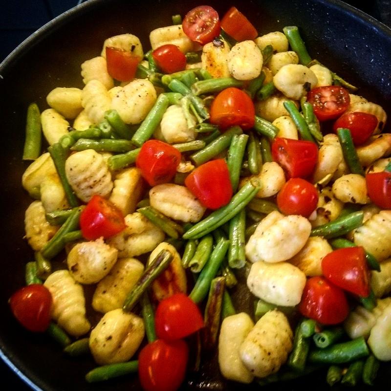 Gnocchi In Knoblauchöl mit Gemüse