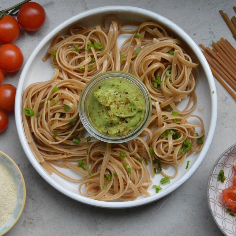 Nudeln mit Avocadocreme