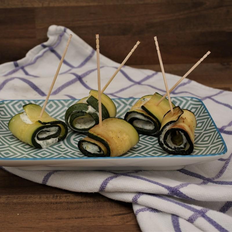 Zucchiniröllchen mit Frischkäse