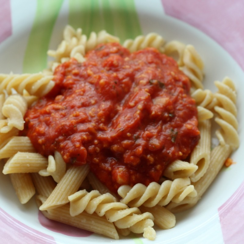 Vegane Bolognese mit Haferflocken