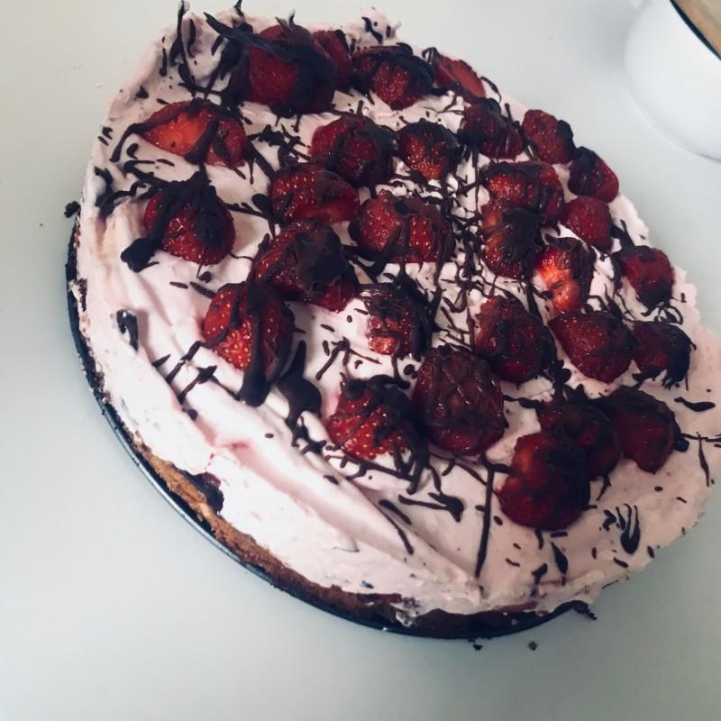 Erdbeeren-Sahne Torte