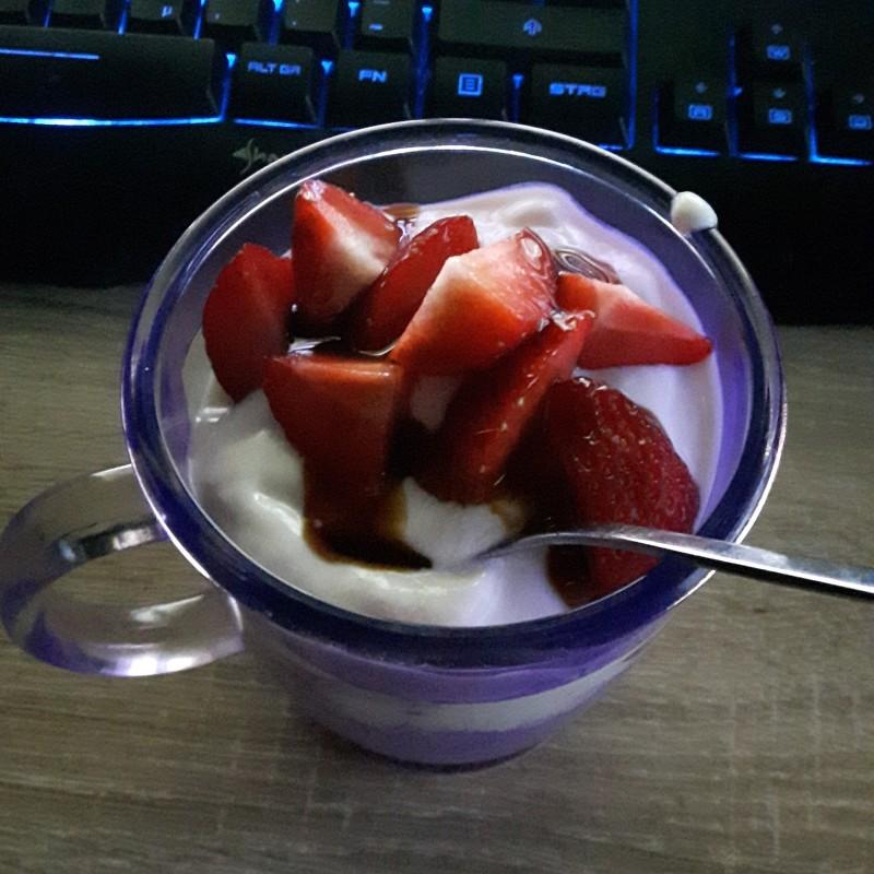 Schnelles Erdbeeren Dessert