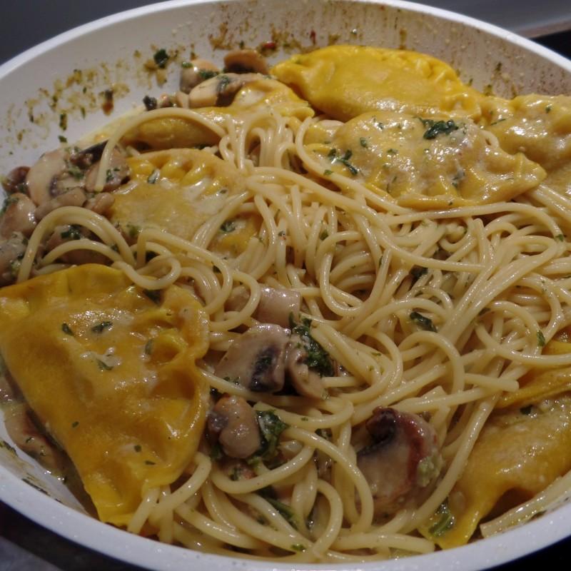 Knoblauch Pilz Pasta