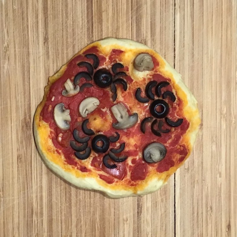 Feurige Halloween Pizza