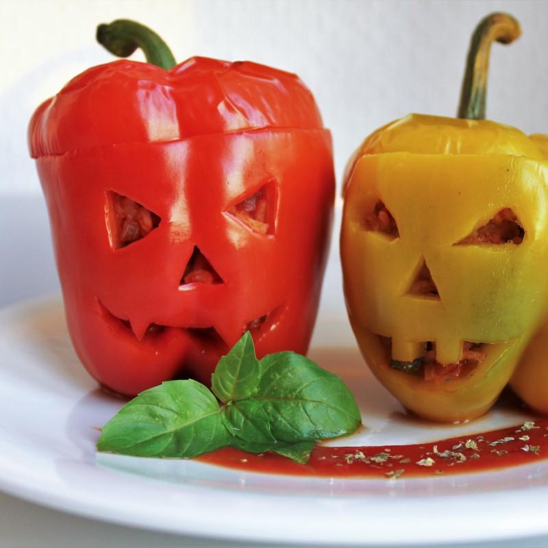 Gefüllte Paprika für Halloween